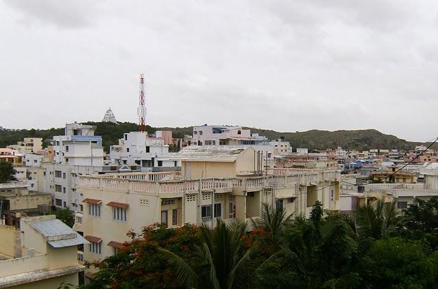 Вид с  соседней  крыши