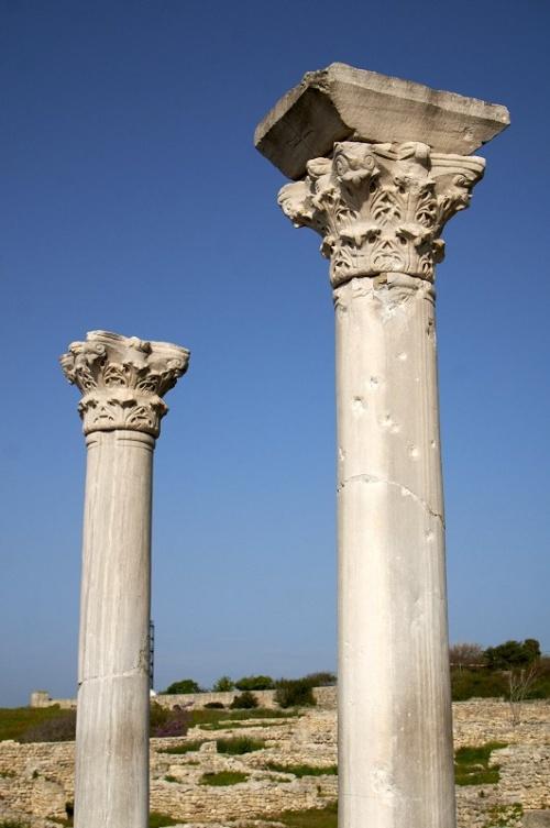 Колонны средневековой базилики