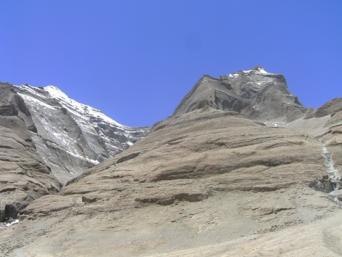 На верхних ярусах гор мне виделись письмена.