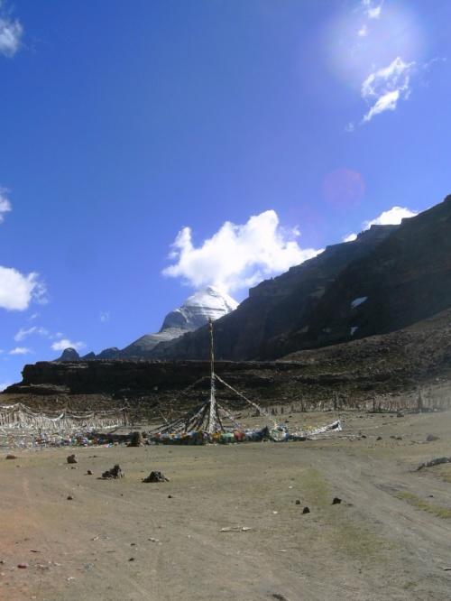 Кайлас, площадка Сагадевы, плато 84 махасиддху - вдохновение на кору.