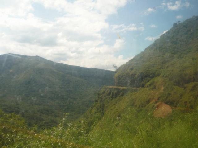"""вон та ниточка на склоне горы и есть железная дорога для нашего """"паровозика""""! :))"""