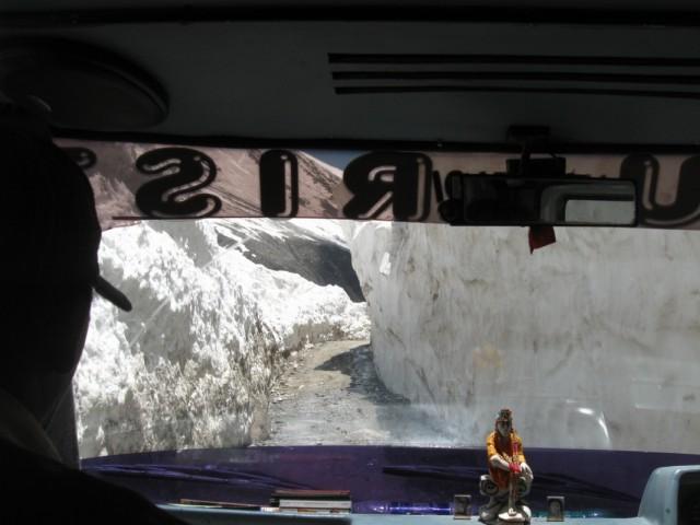 Дорога в леднике