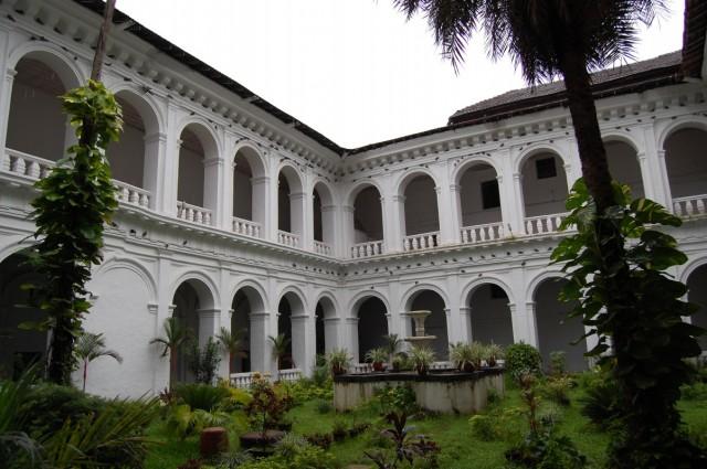 Балкончиковый монастырь