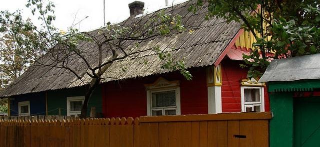 этот многоквартирный дом мой фаворит - цвета!
