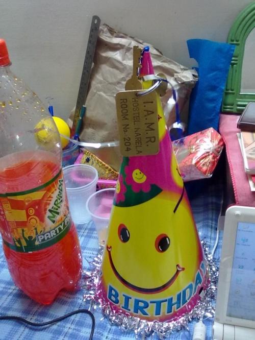 дни рождения проходят весело