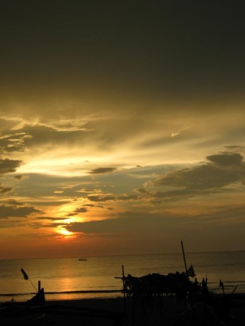 всего лишь море и небо