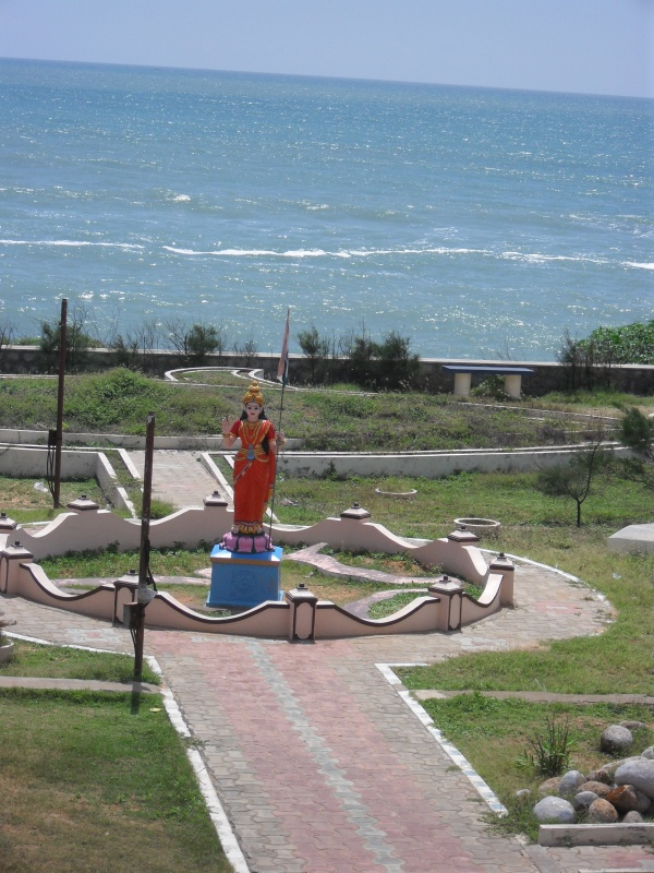 на крайнем юге Индии всех приветствует сама Богиня Лакшми