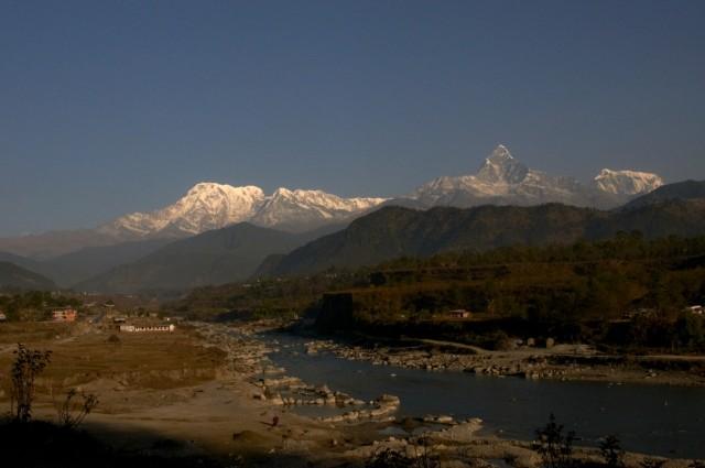 Вид с дороги из Покхары в Педи