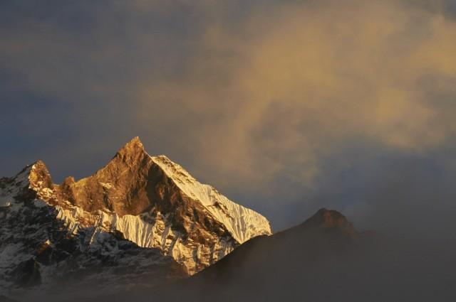 Закат над Мачапучаре