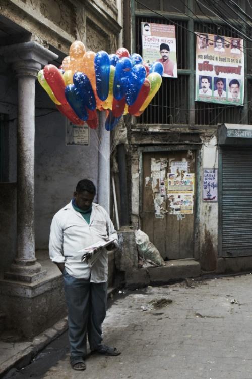 И продавцы воздушных шариков