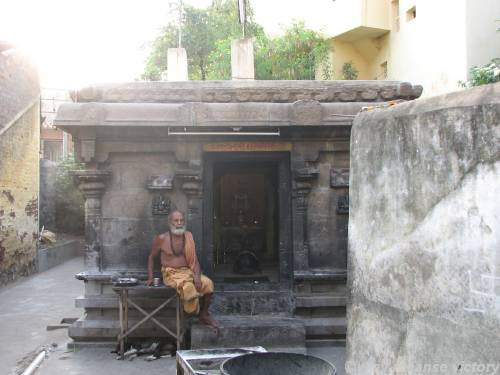 http://travel.sulekha.com /thiruvannamalai-trip_tir uvannamalai-travelogue-44 05.htm