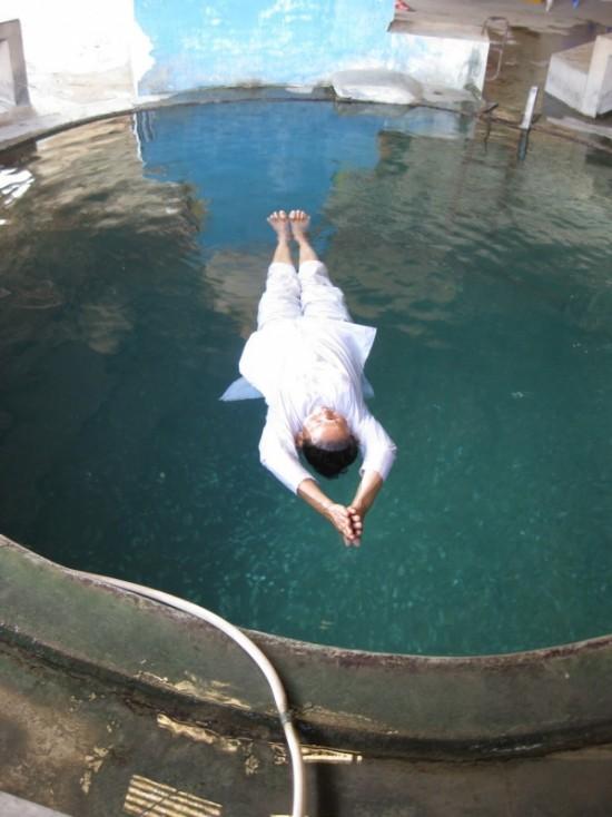 Медитация во время плавания... Или плавание во время медитации?