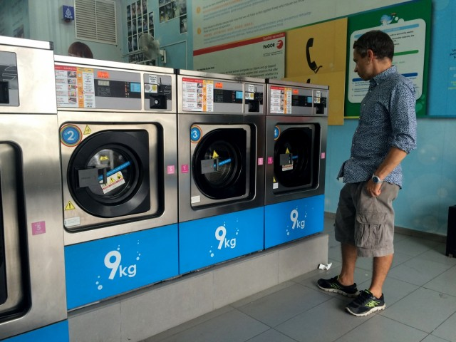 Laundry in KL. Стиралки