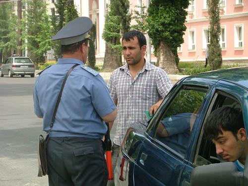 Дорожная милиция, везде имеет одно лицо ;)