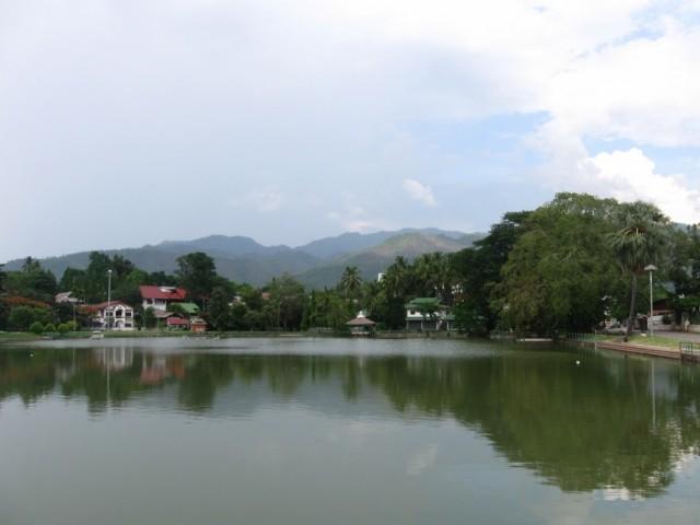 Мэ Хонг Сон. Озеро.