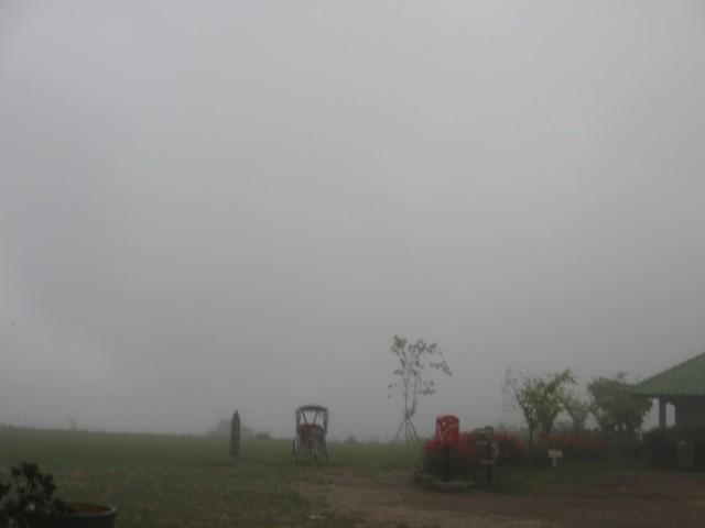 В горах туман... А там за туманами:), совсем рядом Пай...