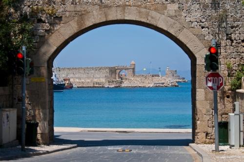 Средневековый портал