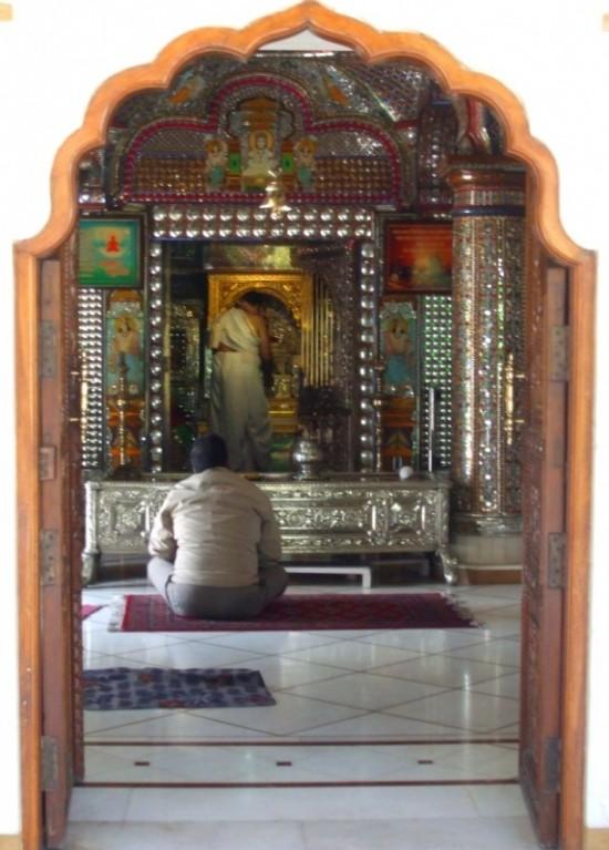 Джайнский храм