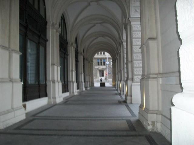 Вход-выход на крылечко жилого дома, Вена