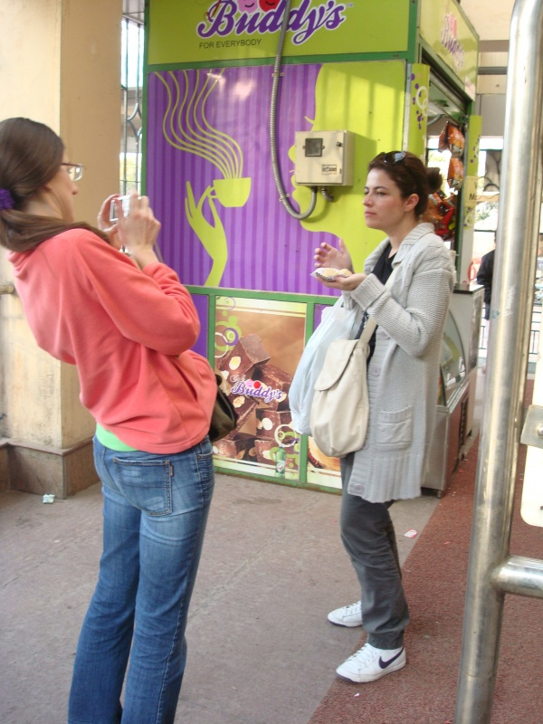 Смелая девчонка из Македонии присоединилась не сразу, но... присоединилась :( Россия и Латвия - устояли, но ходилми голодными :) и здоровыми!