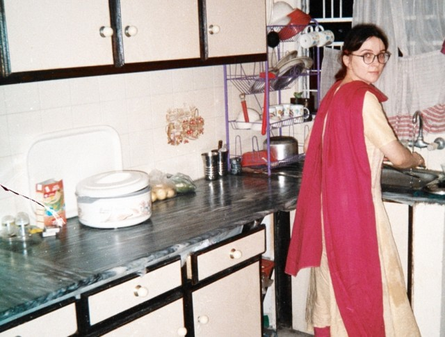 кухня, там как раз стоит тот hot pot для лепешек
