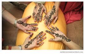 Красят руки все!