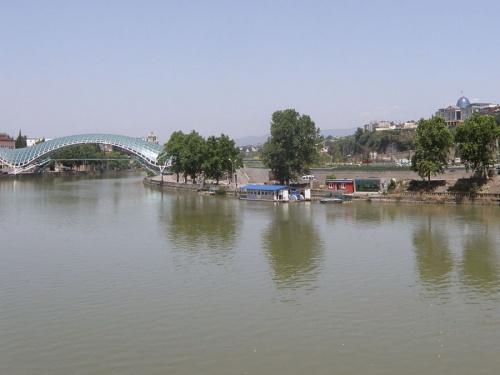 Кура. Вид на современный Тбилиси