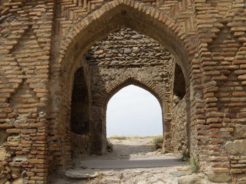 Входные ворота из кирпича