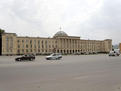 Раньше здесь был огромный Сталин