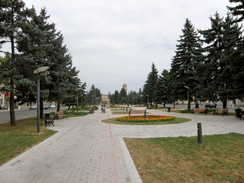 Площадь Сталина. Вдали – музей