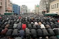 Ислам. Для многих достаточно раз поклониться Богу