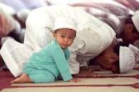 для мужчин обязательное  чтение всех 5 намазов в мечетях, одежда по сунне