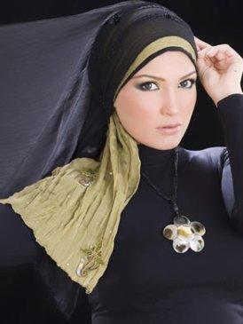 3. Ислам. Это реклама одежды, но вроде все по правилам