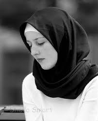 4. Ислам. Похожа на 1 фото? Помоему да.