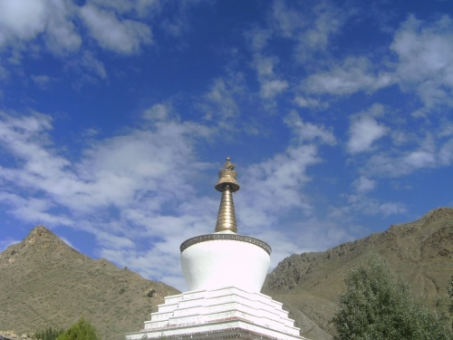 Главная ступа монастыря Ташилунпо