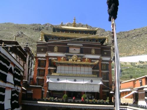 и еще разок центральный храм Ташилунпо - вид спереди :0)