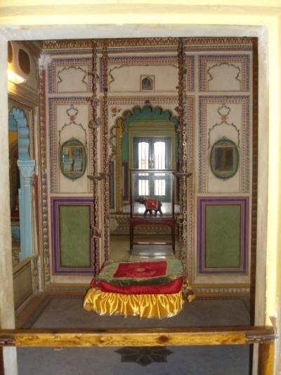 Комнат у махараджи было неимоверное количество. Это - только некоторых из них