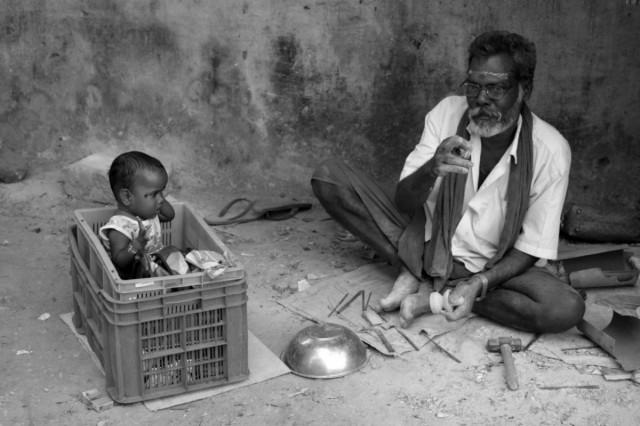 Придорожный ремесленник в Тируванмалаи