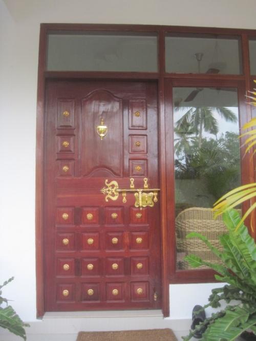 Дверь с золотым ключиком. Что ждёт за ней? Какие тайны она скрывает?