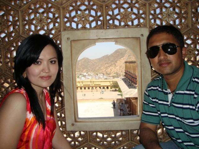 С очень грамотным другом Поуаном из Непала.
