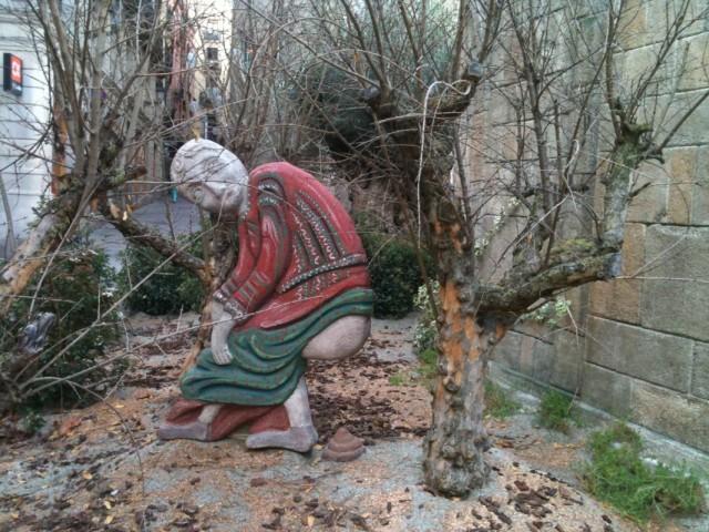 Рождественская инсталляция на какой-то из площадей Барселоны.