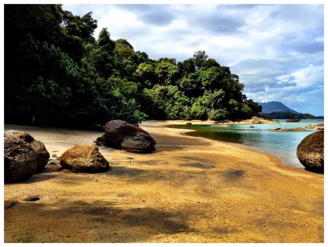 Black Sand Beach 07