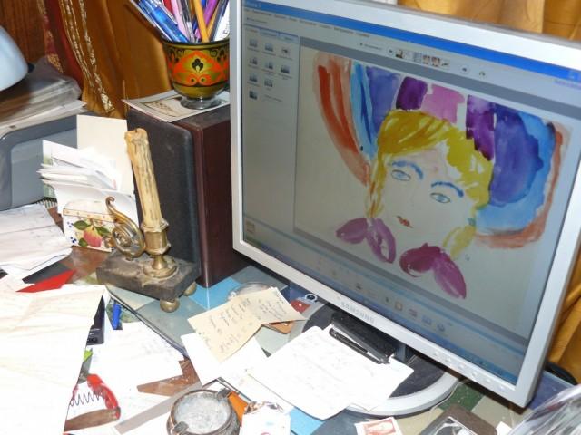 Комп может спасать, воскрешая. На экране детский рисунок  дочки.Сегодня ей 41 г.