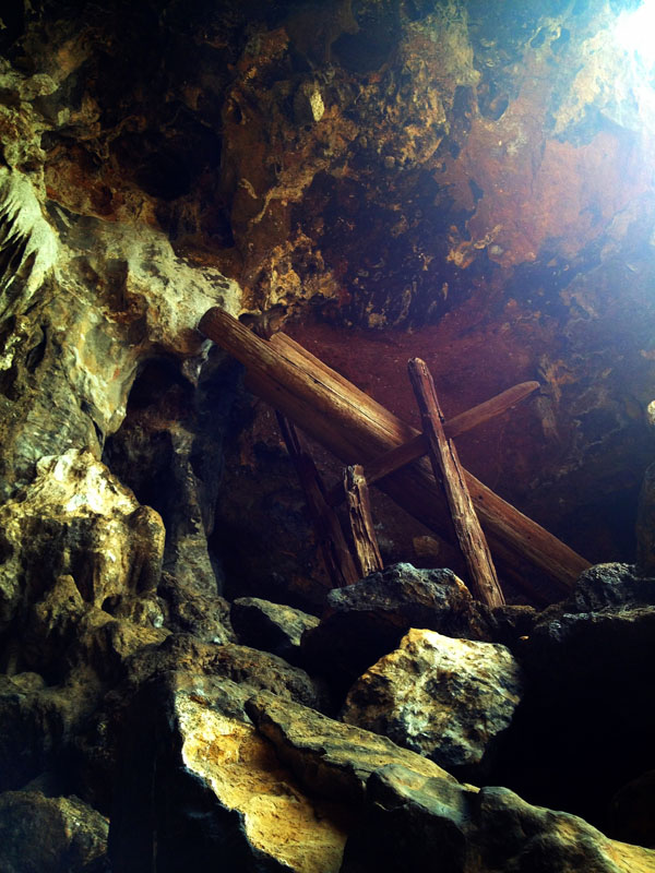 Coffin cave 06