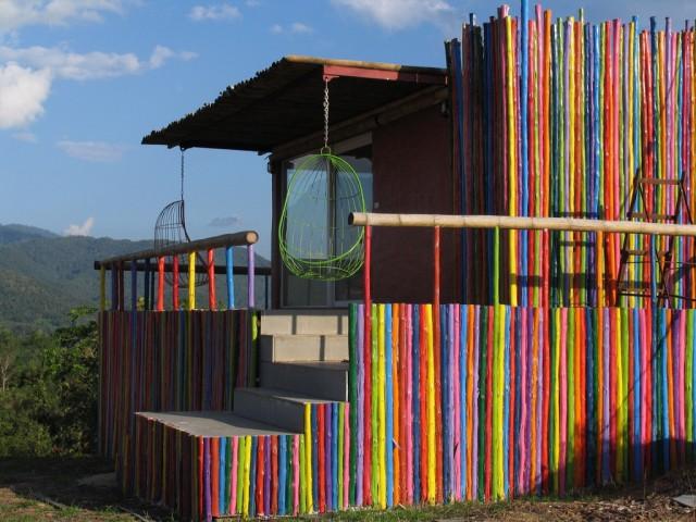 карандашный домик в Пае
