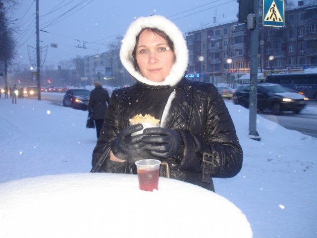 едим-пьем прямо под снегом