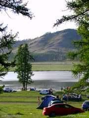 Раньше вокруг озера была полная тишина, сейчас ,видать, ездит народ.