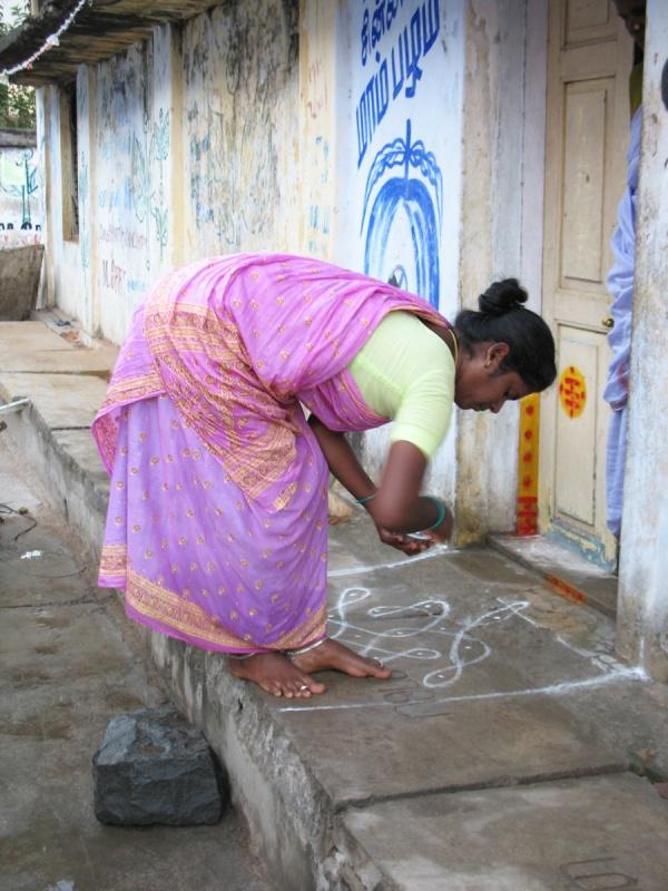 Ранголи каждый день (Мамалапурам, штат Тамил Наду).