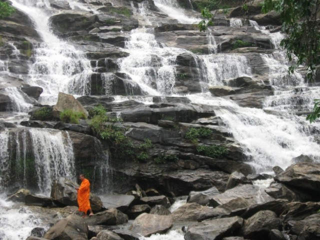 Прогулка по водопаду
