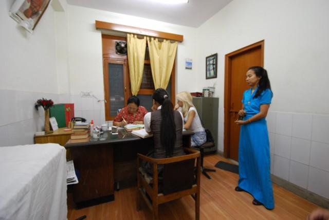 В Тибетской клинике